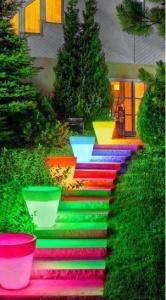 Vanjske stepenice obojane bojama koje svijetle u mraku