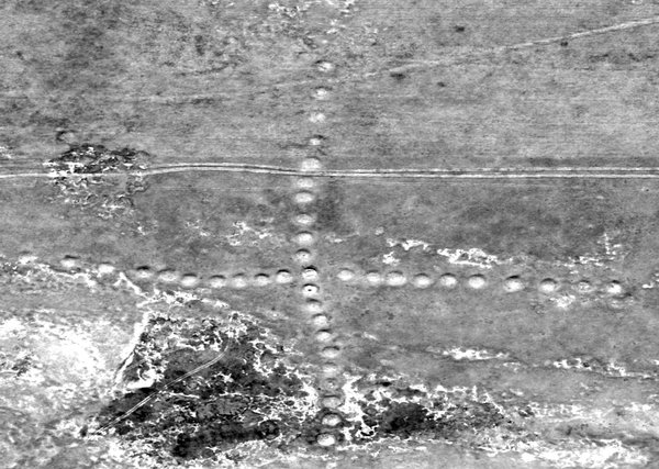 Stepski geoglif križ