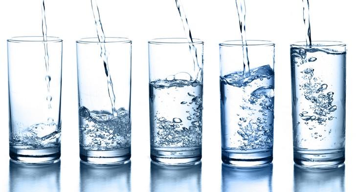 Zbog čega sama voda ne hidratiziratijelo?